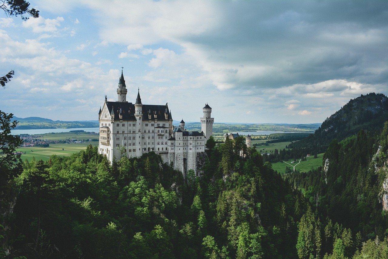 SLEEPING BEAUTY CASTLE – A BUILDING THAT INSPIRED A DIZNE COMPANY